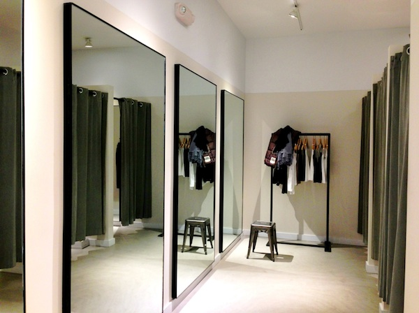 Theory_(clothing_retailer)_Dressing_Room,_Westport,_CT_06880,_USA_-_Mar_2013